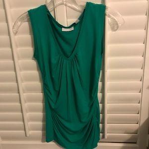 New York & Company Kelly green v neck